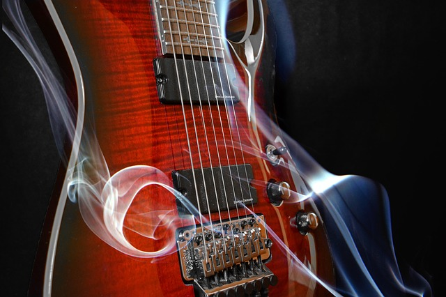 eb3cb0092cf4093ed1584d05fb1d4390e277e2c818b412459cf3c87aa4ec 640 - Learn To Play The Guitar With These Simple Tips