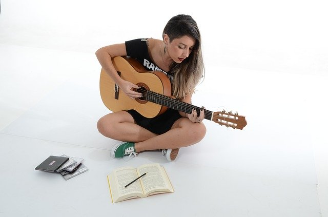 getting to know your guitar playing tips and tricks 1 - Getting To Know Your Guitar: Playing Tips And Tricks