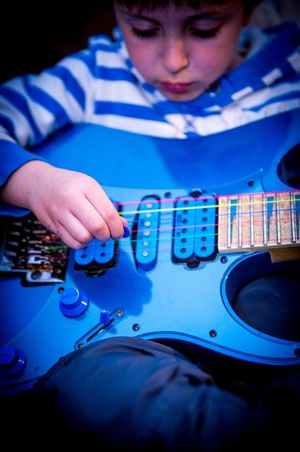 wondering how to learn guitar try these tips today 1 - Wondering How To Learn Guitar? Try These Tips Today!