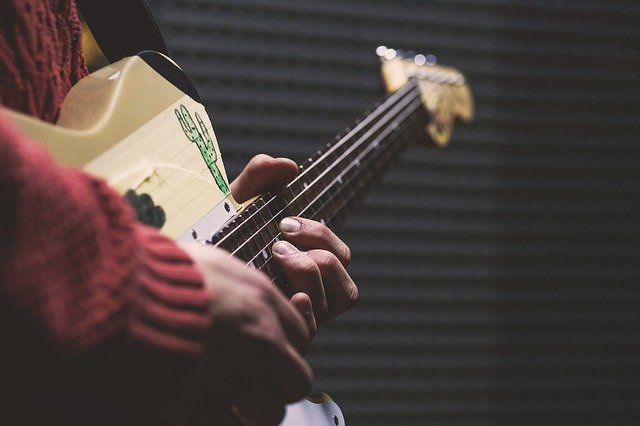want to learn to play the guitar try these tips 2 - Want To Learn To Play The Guitar? Try These Tips
