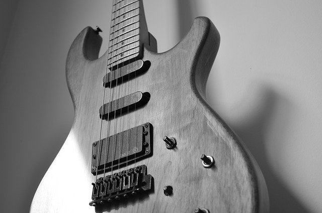 play music easily with these simple guitar tips 2 - Play Music Easily With These Simple Guitar Tips