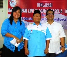 Pengurus Harian Basolia Depok. Dari Kanan: Mangaranap Sinaga (Sekretaris), Ust Nasihun Syahroni, (Ketua), Elisabeth Setyaningsih (Bendahara)
