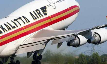 KALITTA 747'S ENGINE DAMAGED AFTER STRIKING SNOW BANK