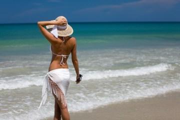kopfbedeckung am strand
