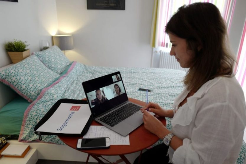 FRANCE-HEALTH-VIRUS-LABOUR-WORK-TELETRAVAIL-HOMEOFFICE
