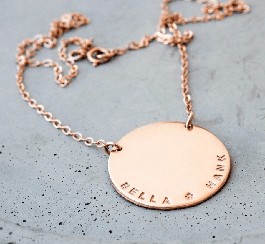 personalized custom Mom name necklace gold disc