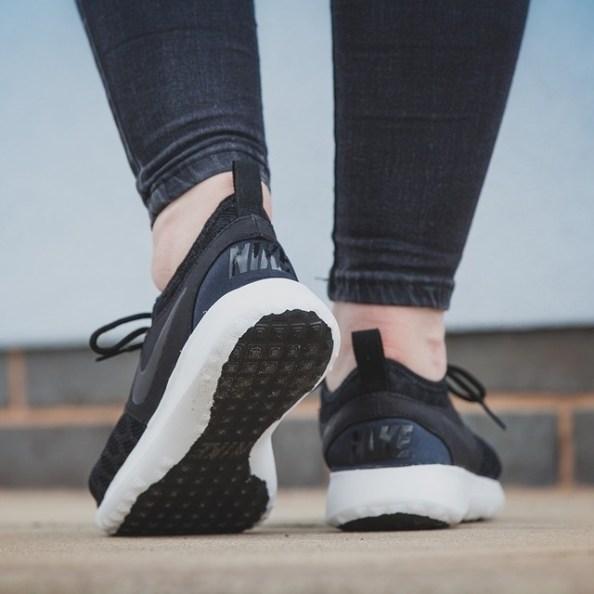 Nike (1)