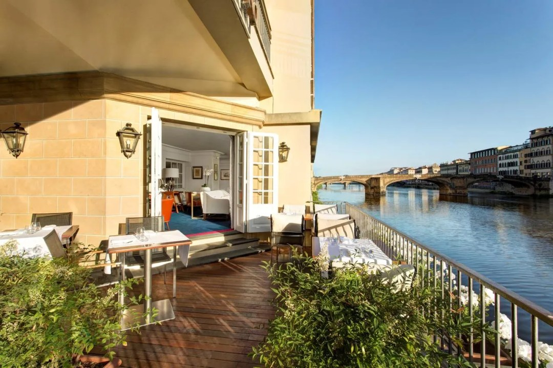 Hotel Lungarno - Lungarno Collection - best 5-star hotels in Florence Italy near ponte vecchio