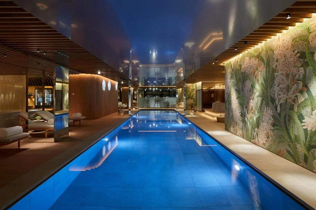 45 Park Lane - Dorchester Collection - 5-star luxury hotel near Hyde Park Corner with pool, central London