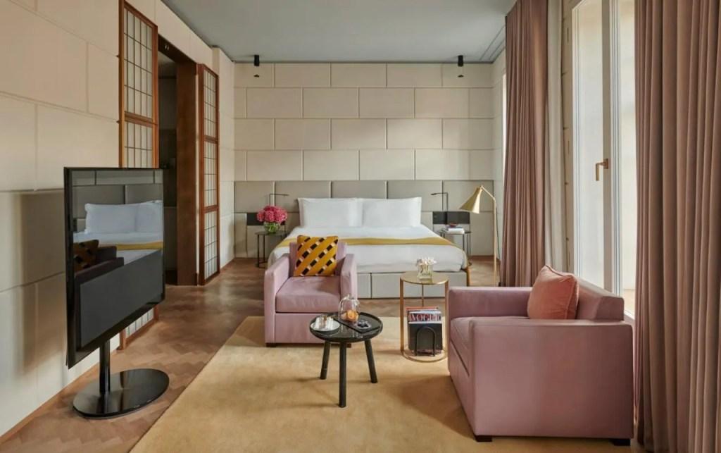 Hotel Cafe Royal - 5-star Luxury hotel near Buckingham Palace, central London