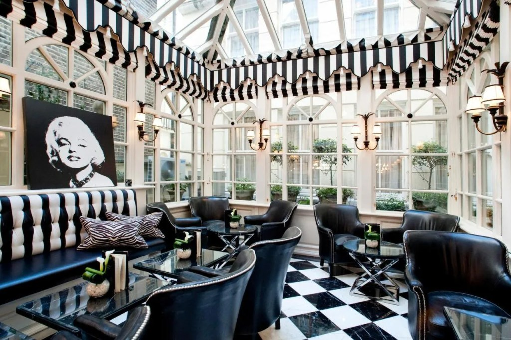 Milestone Hotel Kensington dining room - best 5 star luxury hotels in central london, uk