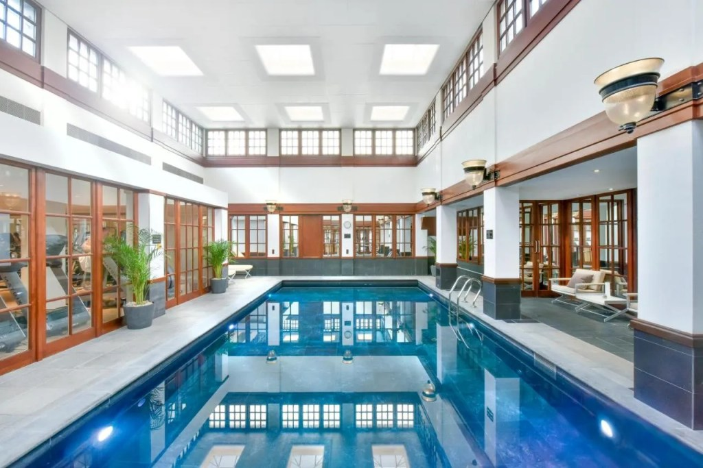 The Savoy - 5-star Luxury hotel near Covent Garden, London with pool