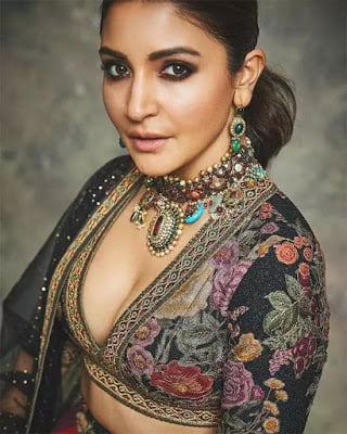 You are currently viewing Anushka Sharma (Indian Actress) Biography, Husband, Age, Height, Education, Wiki & More