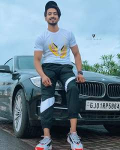Read more about the article Faisal Shaikh (Mr. Faisu) Biography, Age, Instagram, Height, Photo, Girlfriend…