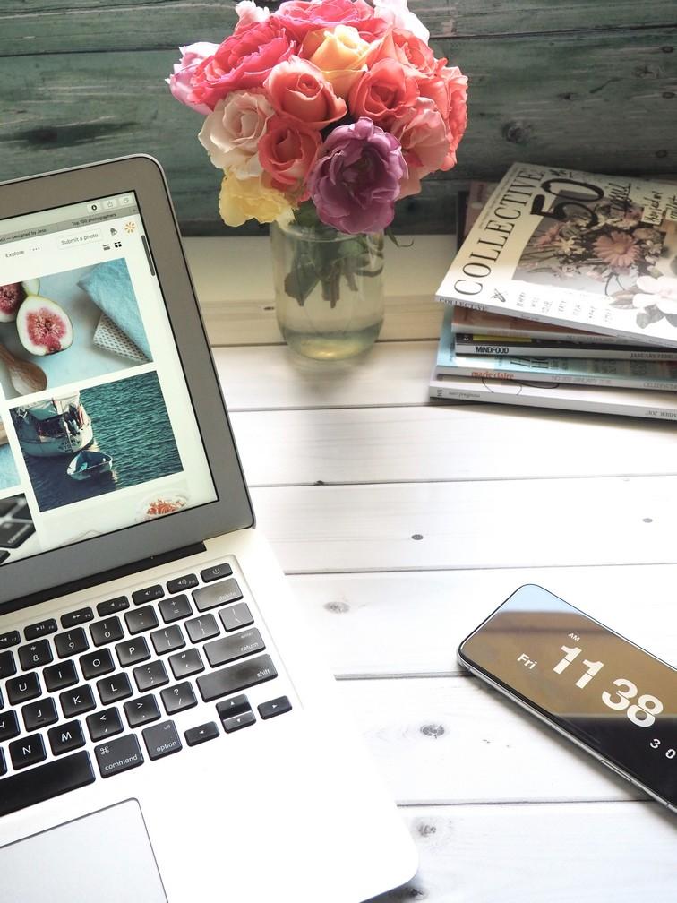 blog communication computer 839443 - 5 préjugés sur les blogueuses mode