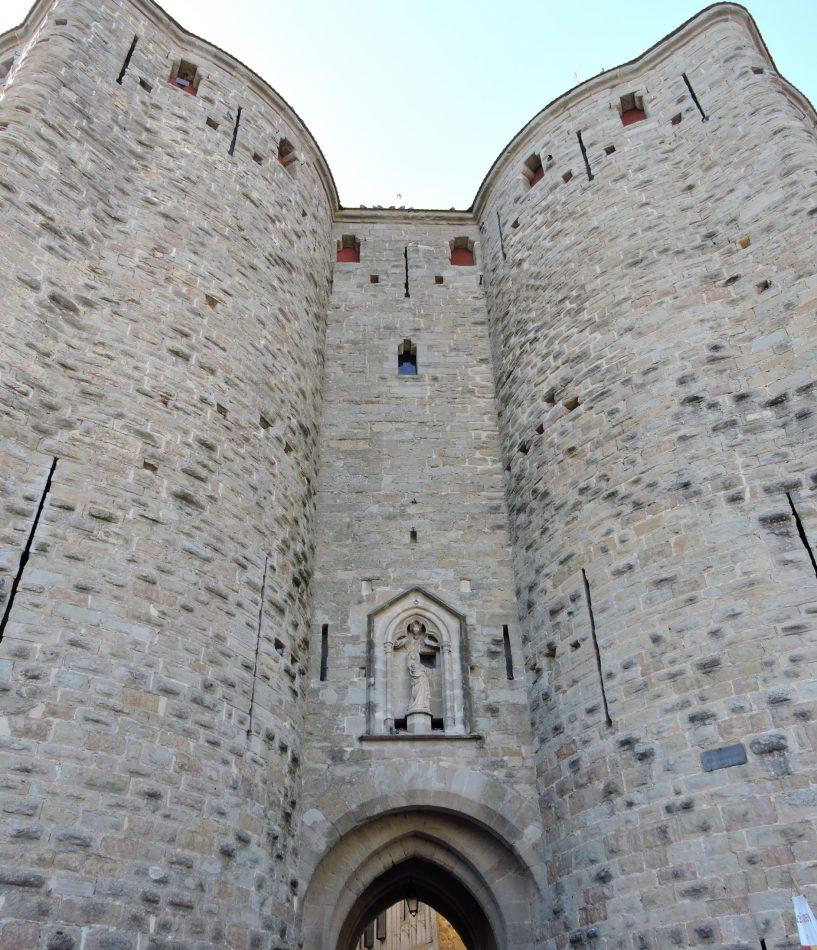 entrée cité carcassonne scaled - Fête des Pères : Carcassonne en Famille
