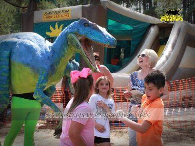 Dinosaur Costume Prank in the Playground 400x300 2