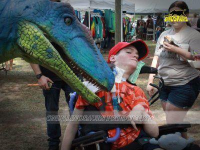 Realistic Velociraptor Costume Prank 400x300 1