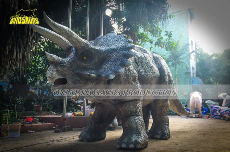 Realistic Triceratops Costume Feature 800x531 1