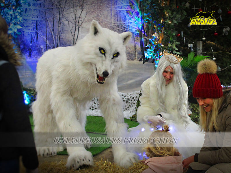 The Most Realistic Wolf Costume 1