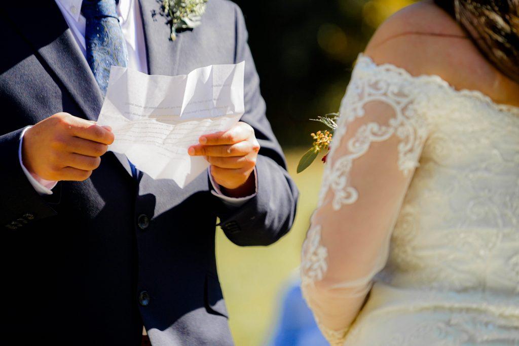 12-Useful-Wedding-Tips-On-How-To-Plan-A-Dinosaur-Wedding-Dinosaur-Wedding-Reading