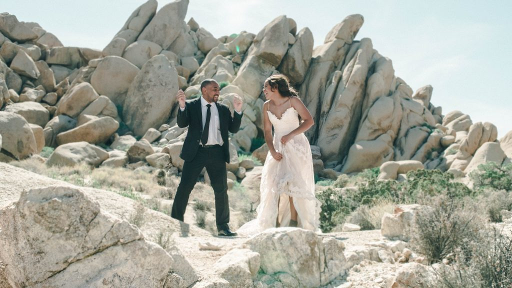 12-Useful-Wedding-Tips-On-How-To-Plan-A-Dinosaur-Wedding-wEDDING-tIPS-ON-pICKING-yOUR-vENUE