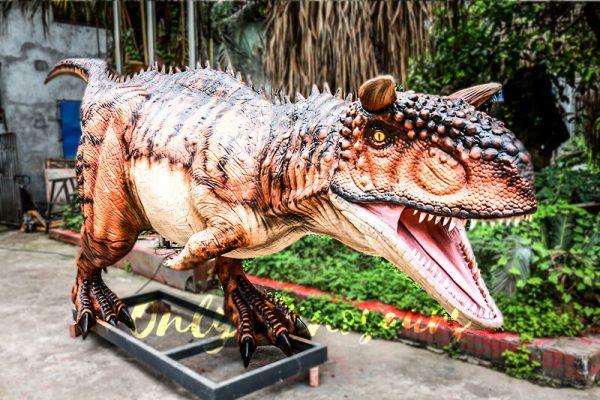 Animatronic Carnotaurus for Dinosaur Event Scene2 1