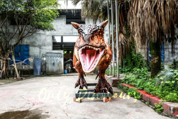 Animatronic Carnotaurus for Dinosaur Event Scene3 1