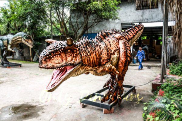 Animatronic Carnotaurus for Dinosaur Event Scene4 1