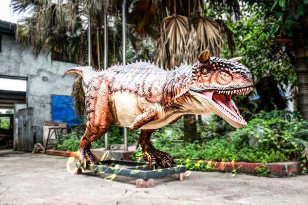 Animatronic Carnotaurus for Dinosaur Event Scene5 1