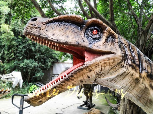 Animatronic Raptor on the Stump for Dinosaur Show6 1