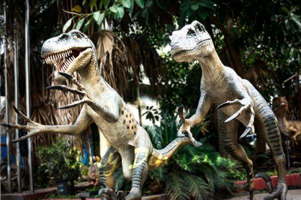 Full Size Fiberglass Dinosaur Velociraptor in Group4 1