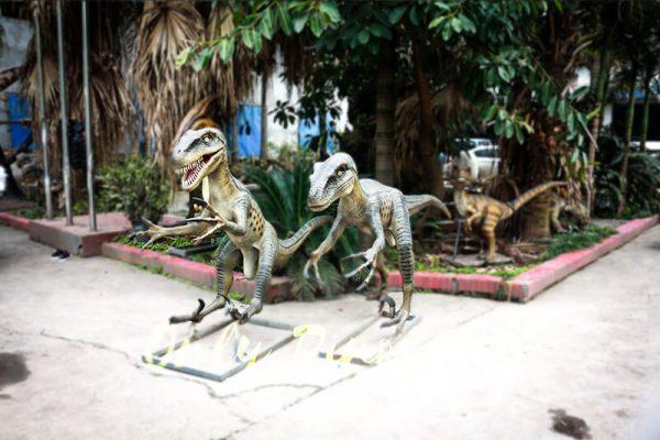 Full Size Fiberglass Dinosaur Velociraptor in Group5 1