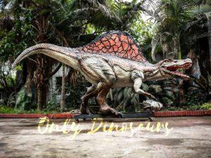 Jurassic Park Animatronic Spinosaurus Grasping Fish