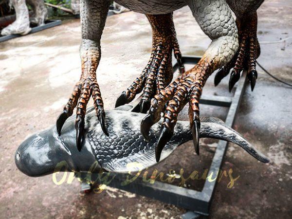 Jurassic Park Animatronic Spinosaurus Grasping Fish4 1