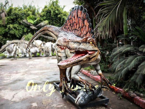 Jurassic Park Animatronic Spinosaurus Grasping Fish5 2