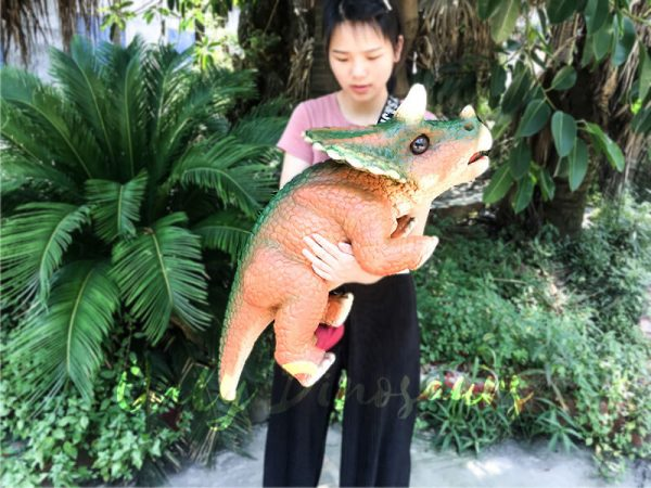 Jurassic World Triceratops Hand Puppet Orange Green4 1
