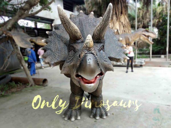 Jurassice-World-Realistic-Triceratops-Costume5