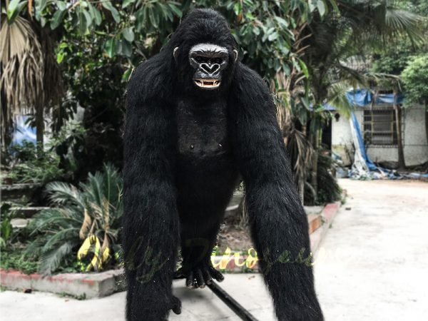 Life Size Realistic King Kong for Sale2 1