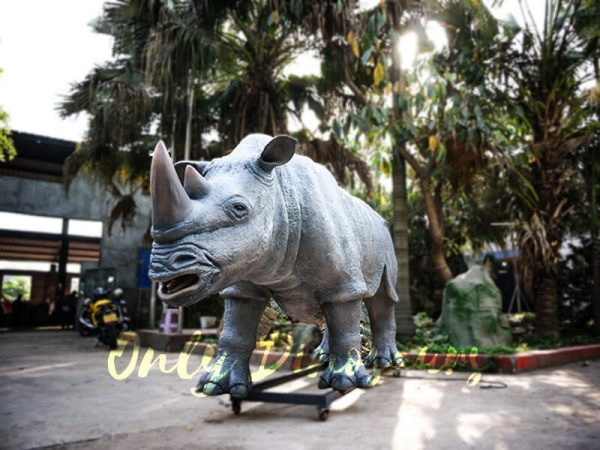 Museum Quality Realistic Animal Animatronics Rhinoceros2 1