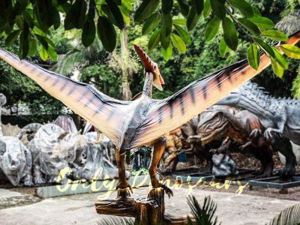Realistic Animatronic Pterosaur on the Stump5 1