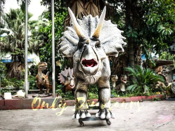 Realistic Animatronic Triceratops Stationary Ride in Dinosaur Park2