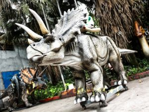 Realistic Animatronic Triceratops Stationary Ride in Dinosaur Park