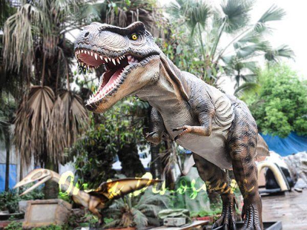 Realistic Animatronic Tyrannosaurus of Jurassic World2 1