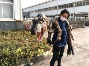 Realistic Baryonyx Shoulder Puppet For Education