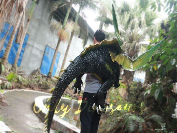 Realistic-Dragon-Shoulder-Puppet-for-Event-Black-Green2-2