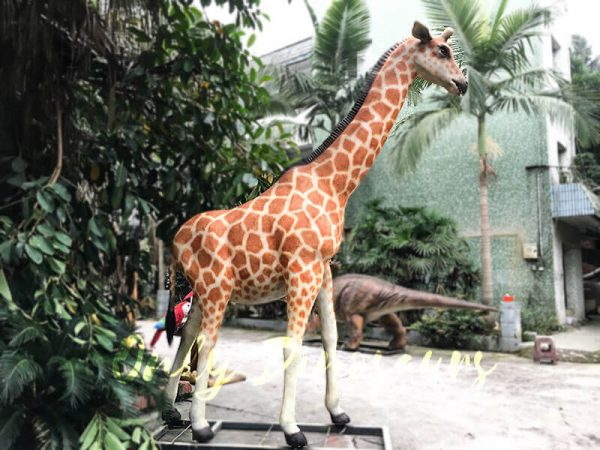 Amusement Park Animatronic Giraffe for sale2
