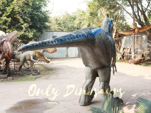 Blue-Raptor-Suit-In-Jurassic-World333