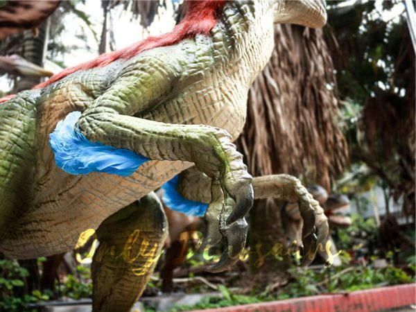 Colorful Feathered Animatronic Raptor for Show2
