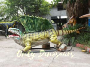 Custom Colorful Animal Animatronics Dimetrodon